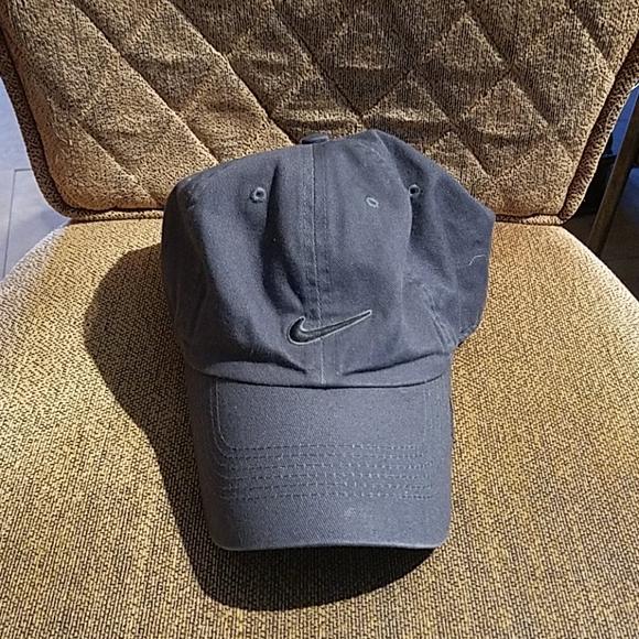Nike Gray Baseball Cap Hat